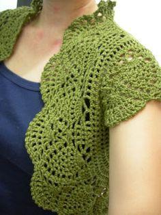 Crochet Patterns, Free Crochet Pattern    Really smart use of fan stitches as scalloping.