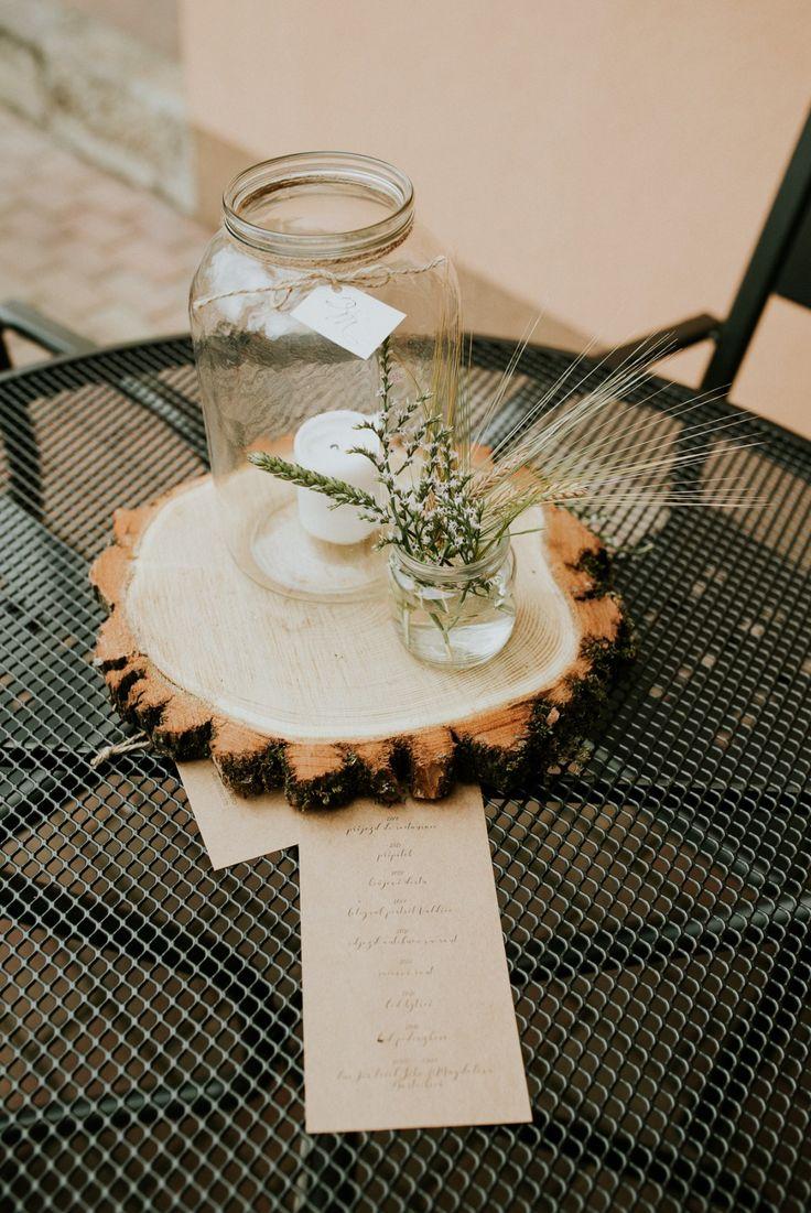 Přírodní svatba plná dřeva, lučního kvítí a pohodové atmosféry