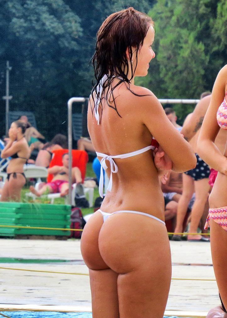 Big tits on topless beach