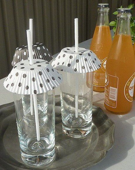 Cool idea for keeping out pests when entertaining outdoors. :D