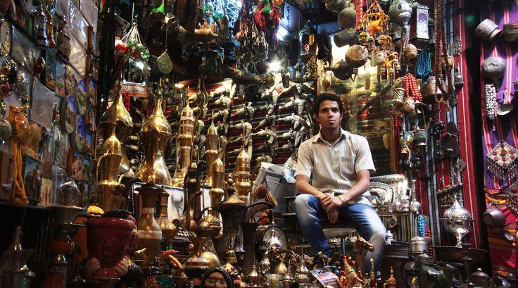 Im Oman tauchen Sie in eine faszinierende Welt ein, in der Jahrhunderte alte Traditionen Hand in Hand mit einer pragmatischen Modernität gehen.