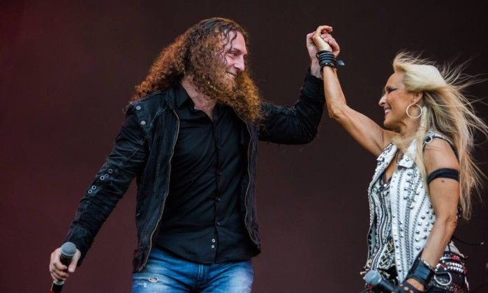Fabio Lione and Doro Pesch with Angra at Rock in Rio. By Barbara Lopes / Agência O Globo: http://oglobo.globo.com/cultura/veja-imagens-do-segundo-dia-de-shows-na-cidade-do-rock-17545146