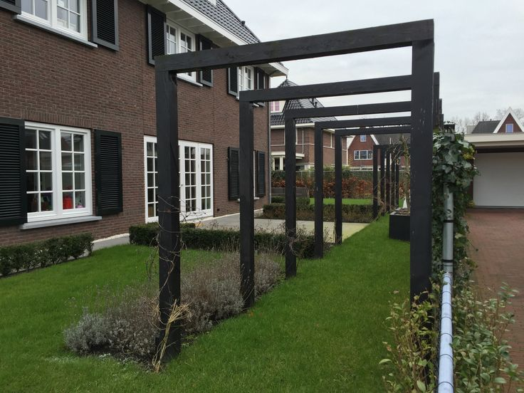 17 best images about pergola 39 s in de tuin on pinterest gardens arbors and tuin - Eigentijdse houten lounge ...