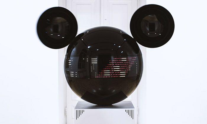 Art instalace Mickeyphon přijíždí poprvé do Česka