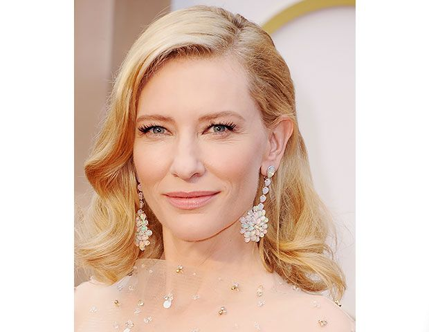 "@Byrdie Beauty - Cate Blanchett    To create a ""modern movie star"" look, makeup artist Jeanine Lobell applied a strip of faux lashes to Blanchett's eyes, then used Lancôme's Hypnôse Waterproof Custom Volume Mascara ($28) in Black for added volume."