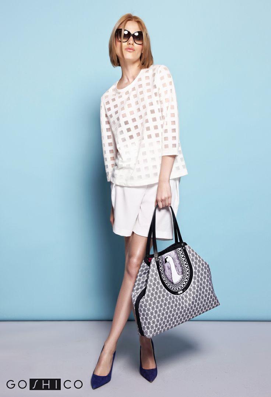 http://goshico.com/en/medium-two-shape-shoulder-printed-bag-with-goose-simplicity.html PRICE: 91.50 €
