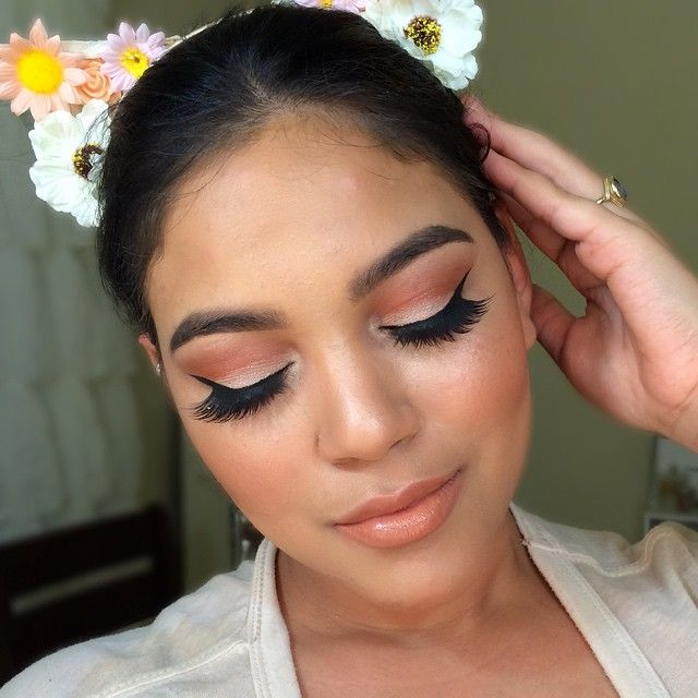 """✨Brows- #anastasiabeverlyhills dip brow """"dark brown"""" brow gel """"clear"""" ✨face- armani luminous silk foundation """"6.5"""" mac prolong wear concealer NC30  #anastasiabeverlyhills & #rcmamakeup to highlight and contour and #nyx stay matte foundation powder to set #mac """"peaches"""" blush #esteelauder """"heatwave""""✨Eyes #mac """"rule"""" & """"soft brown"""" in the crease #amrezypalette """"legend""""""""vallina"""" #colourpopcosmetics """"fringe"""" on the lid #houseoflashes """"iconic""""✨Lips- #mac """"oak"""" lip pencil """"strippoker"""" mix with """""""