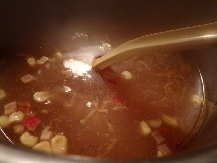 #rasilaisen tuunattu keitto  Hopottajana testattu rasilisen hapankaalin käyttötapoja