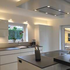 Küche nach Maß im Münsterland : moderne Küche von Klocke Möbelwerkstätte GmbH
