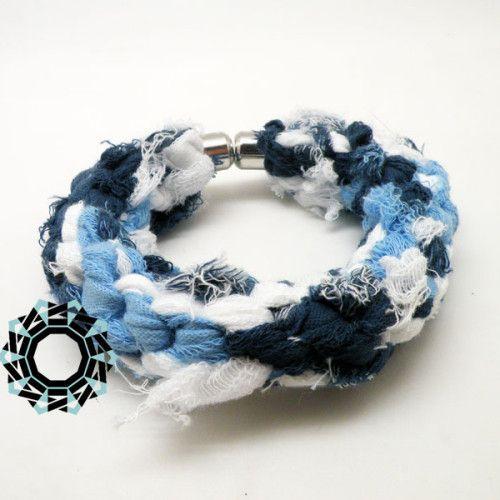 Cotton recycling (blue/grey/white) / Bawełniany recycling (niebiesko-szaro-biała) by  Alina Tyro-Niezgoda / Tender December. More: http://tenderdecember.eu/otulacze/sommer-mood-letnie-nastroje/ To buy: http://tenderdecember.eu/shop/produkt/cotton-recycling-bluegreywhite-bawelniany-recycling-niebiesko-szaro-biala-2/