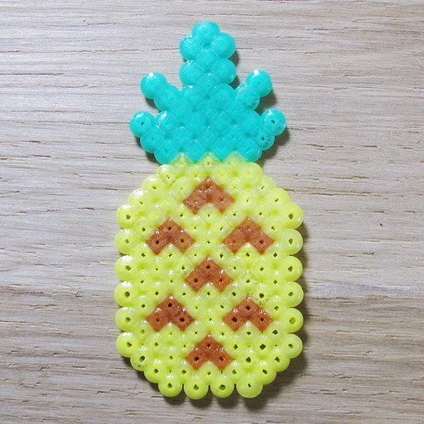 Tuto Ananas en perles Mini Hama : http://www.perlesandco.com/Ananas_en_perles_Mini_Hama-s-2180-23.html