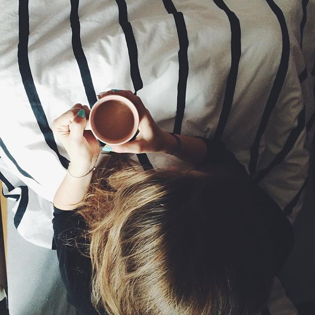 #morning #hug in a #mug ☕️ #sunday #coffee #cozy #lazy #bed #longhair #blondehair #blondehairdontcare #polishgirl #girl #relax #instamood #instagood #cliche #cliche_mugs