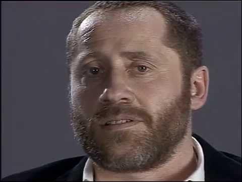 Márai Sándor: Halotti beszéd című versét előadja Koltai Róbert
