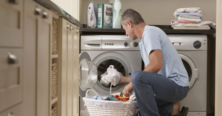"""El código de error F1 de la lavadora Whirlpool Cabrio. La lavadora Whirlpool Cabrio ofrece más de 20 diferentes códigos de fallo que direcciona errores con múltiples funciones de la lavadora, incluyendo problemas eléctricos, problemas de agua y las necesidades básicas de mantenimiento. El código de error """"F1"""" impide que la lavadora funcione y es uno de los principales fallos que se produce con el ..."""