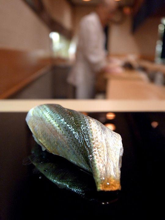Kohada Nigiri, Spotted Shad Sushi at Sukiyabashi JIRO, Ginza, Tokyo, Japan すきやばし次郎