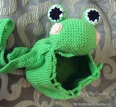 mochila de sapo en crochet2