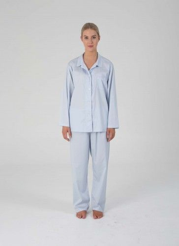Our ZJOOSH Classic PJ set is the perfect addition to those wanting to sleep in style this season, complete with a menswear-inspired look and charming pipeline detail.
