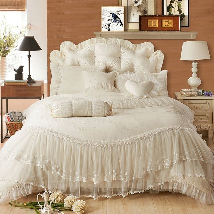 princess Lace+cotton luxury bedding sets queen king size beige/pink/red/purple color ,cotton bedskirt+pillowcase+duvet cover set(China (Mainland))