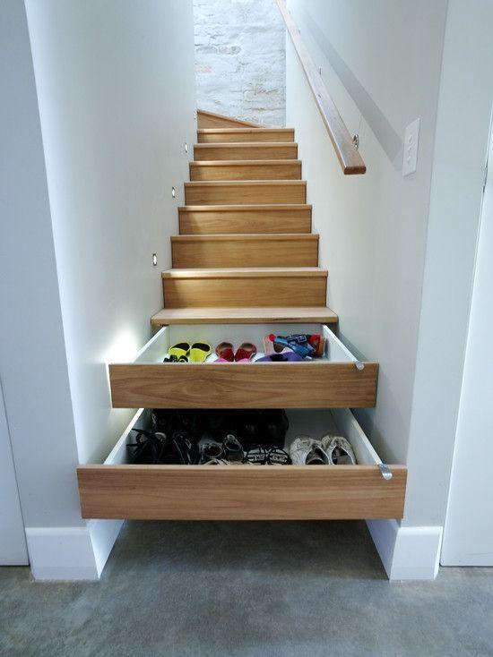Home Decor Contemporary Staircase. 階段のインテリアコーディネイト実例