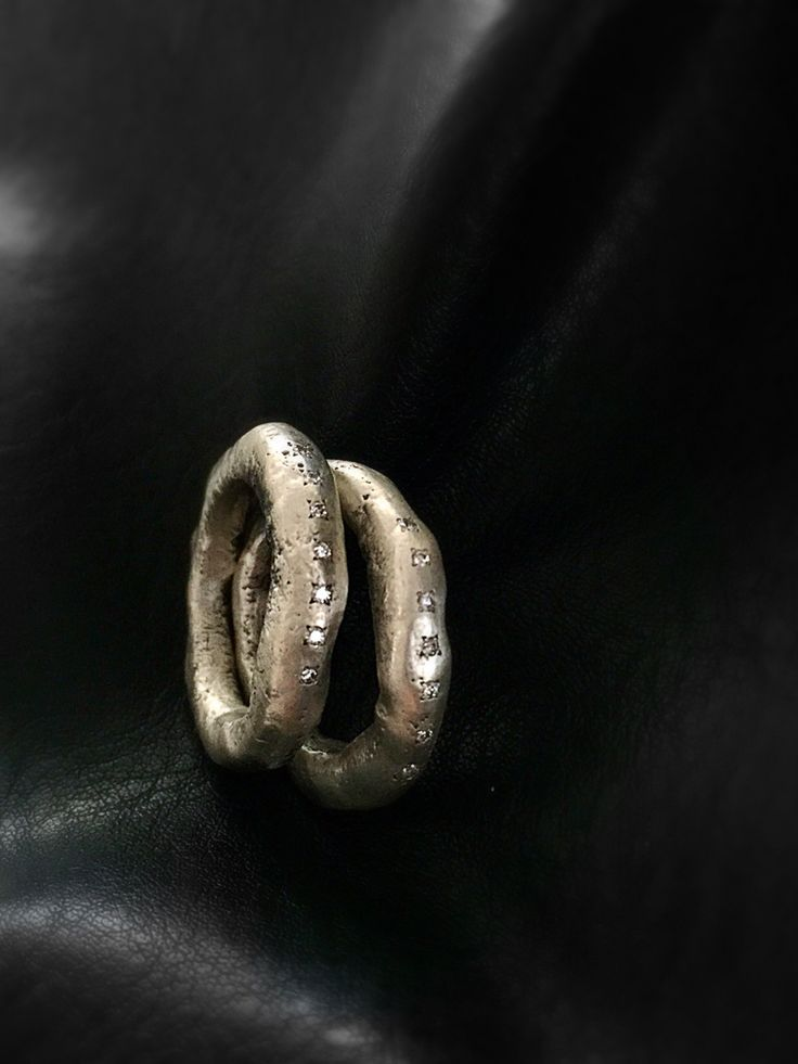 Recycled silver rings with white diamonds