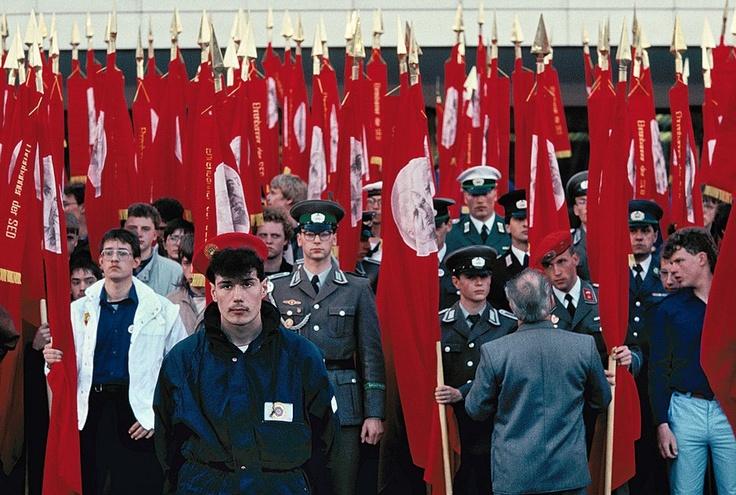 Pfingsttreffen der FDJ, Marx-Engels-Platz, Berlin, 1989 | © Harald Hauswald/Lehmstedt Verlag