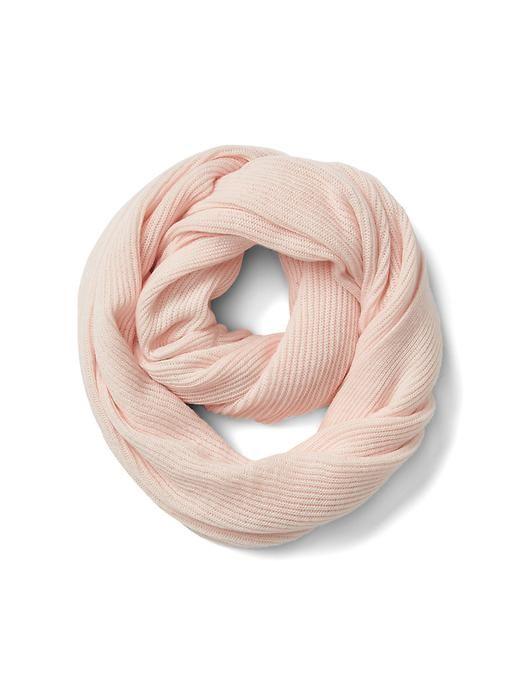 Ribbed loop scarf