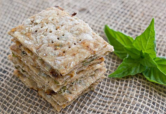 Basil & Sun-Dried Tomato Crackers. Holy hell, I just made a batch and ...
