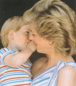 Harry and his mother in Spain. So sweet.