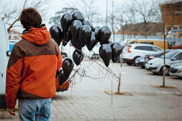 Boy with black balloons by Haydé Negro, via Behance #haydenegro