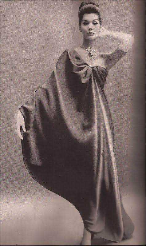 1960, Balenciaga  Richard Avedon                                                                                                                                                     Más
