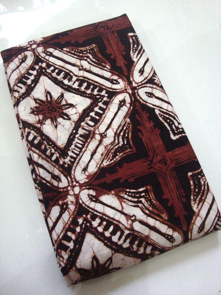 Kain Bahan Baju Batik Klasik Motif Ceplokan    http://thebatik.co.id/batik-cap/kain-bahan-baju-batik-klasik-motif-ceplokan-gede-coklat/