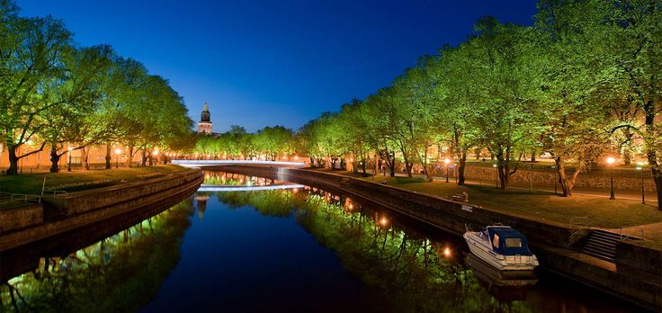 The River Aura is the heart and soul of the city, at the estuary of which Finland's oldest city began to grow in the early 13th century. Over 800 years of urban history has not reduced the significanve of the river to the image of Turku – quite the opposite.