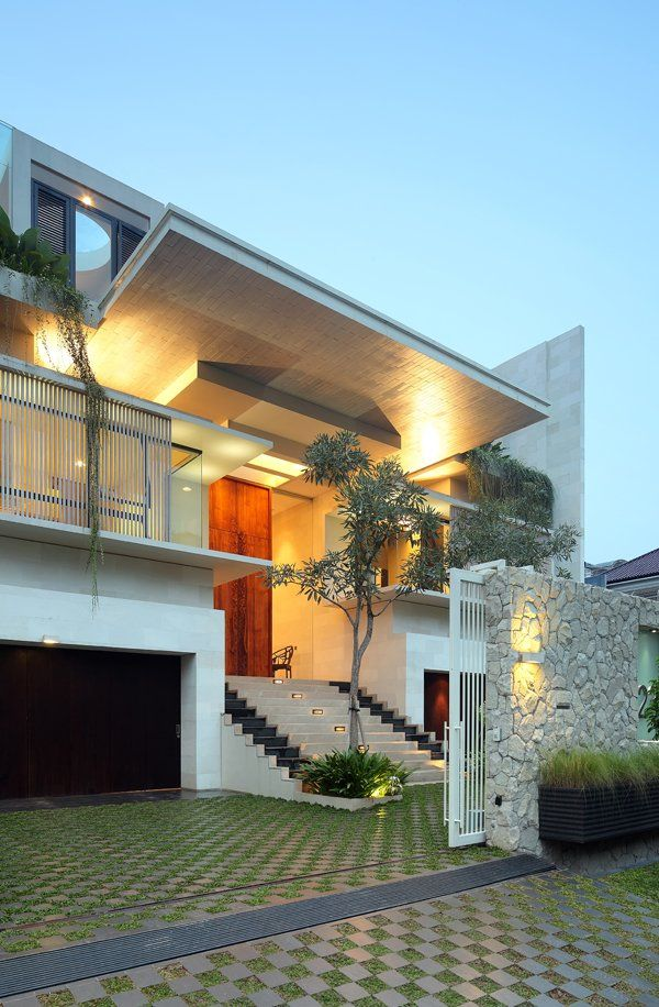 Static House in Jakarta by TWS & Partners.