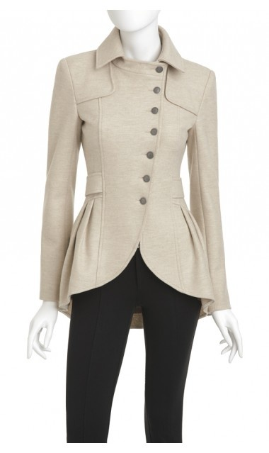 love this coat the seams and collar via @Anna Totten Kellund