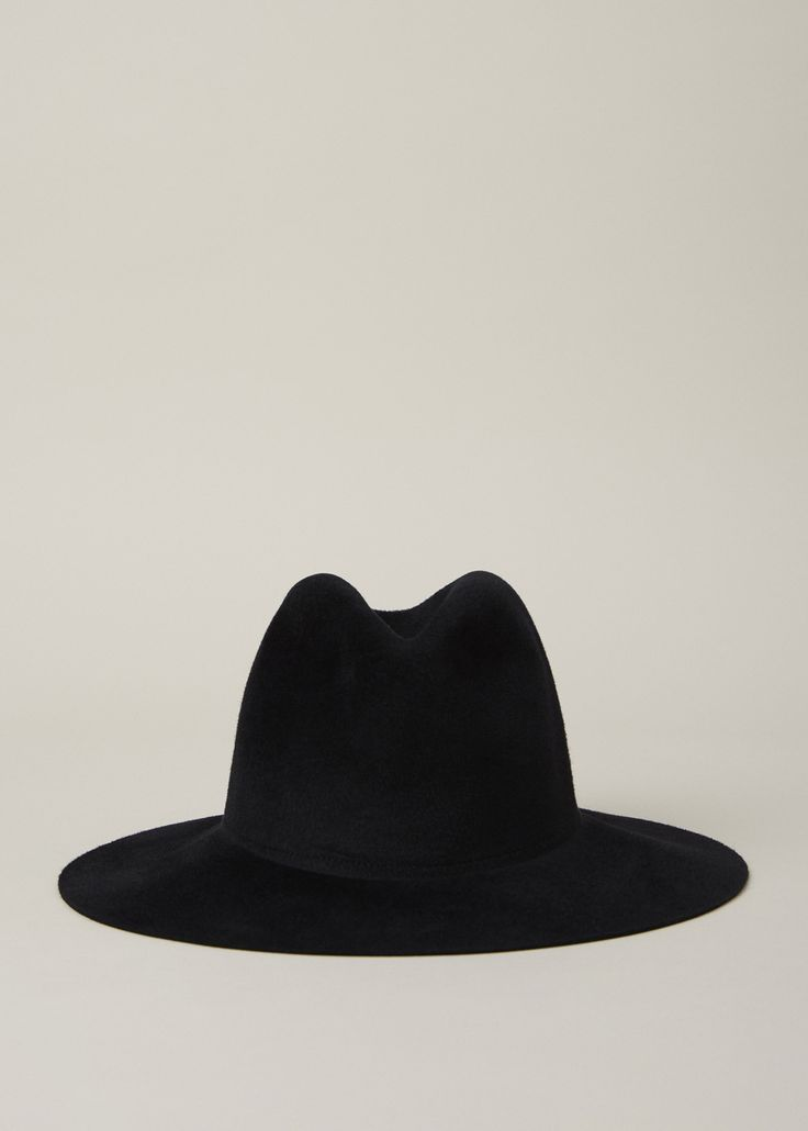 Angora felt gaucho hat in black wool. Hand made in New York.