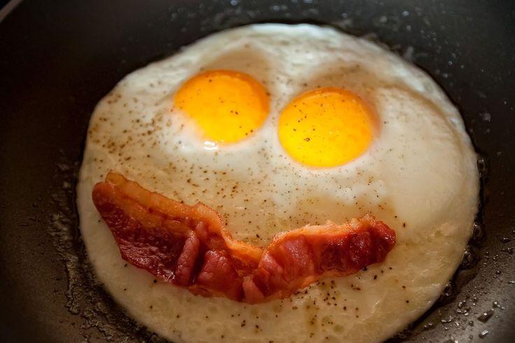 Me gusta el tocino con los huevos