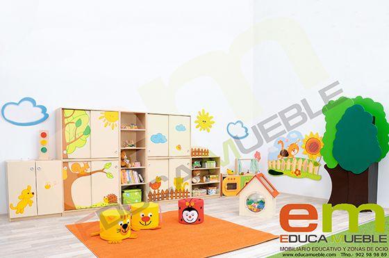 Conjunto de #Muebles Los #Animalitos. Compuesto por un mueble con 2 puertas batientes con el dibujo de un perrito, un mueble con 2 puertas correderas con el dibujo del sol, un mueble con 2 puertas correderas con el dibujo de una ardilla, una librería alta, un mueble con 2 puertas correderas con el dibujo de una mariposa, un mueble con 2 puertas correderas con el dibujo de un gato y un mueble medio de estantes. Tienda Educamueble