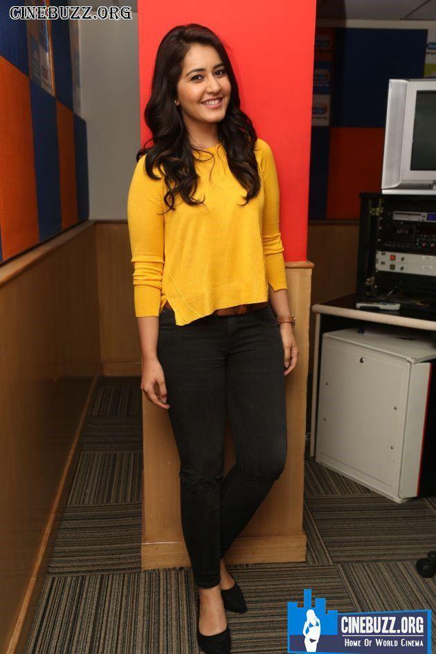 Raashi Khanna Latest Hot Images