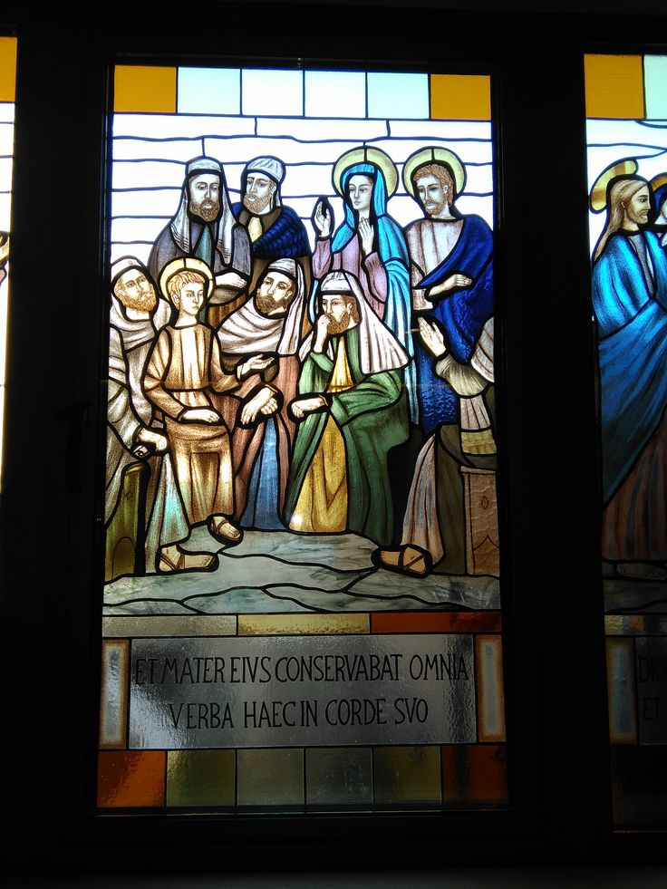 Misterio de la Virgen,58 x 107 cms. Serie de 8 vitrales realizados para Institucion Religiosa, distrito San Isidro, Lima,Perú. Febrero 2,016