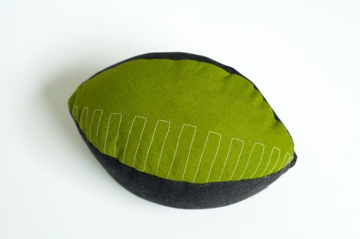 Kickoff! Just in time for football season, this DIY football crafts is a touchdown in the making! #diy #football