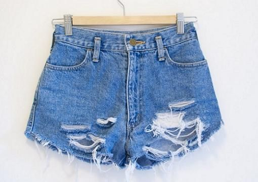 Cómo hacer tus propios shorts vaqueros rotos