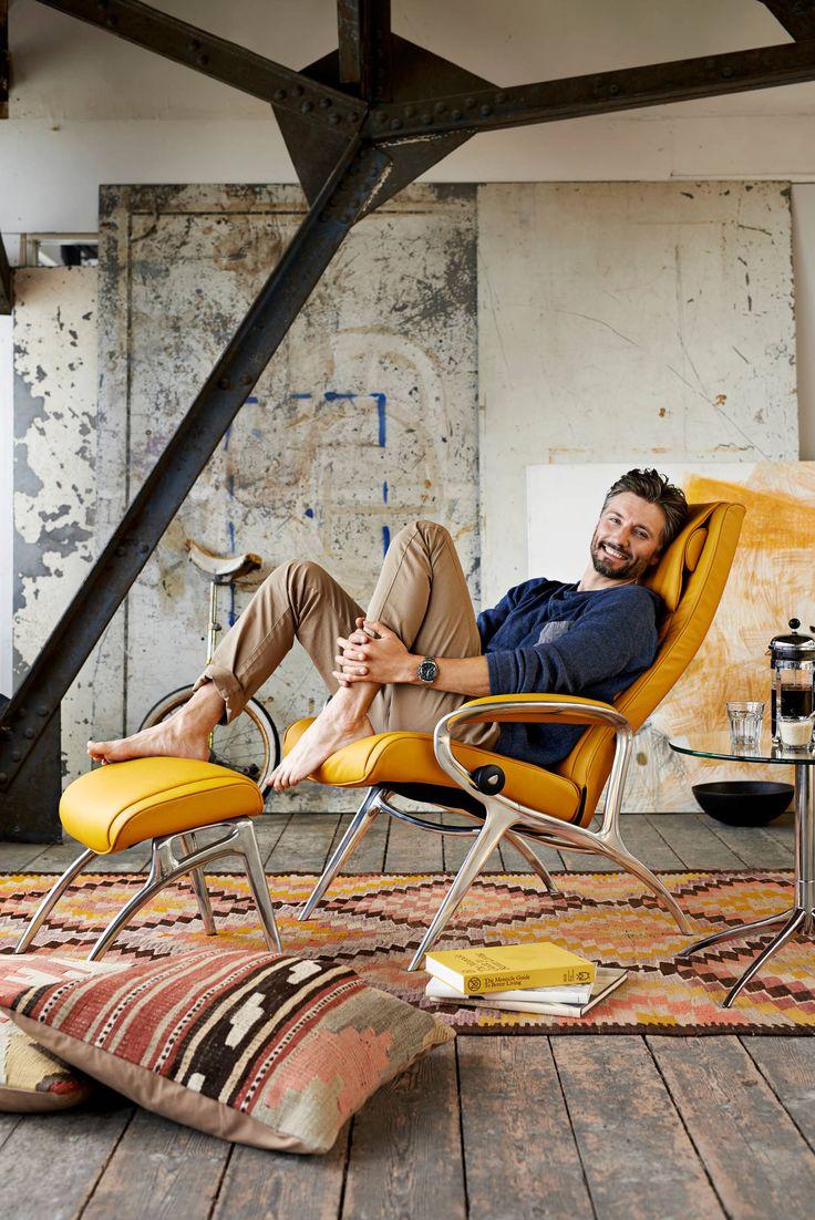 Hier tanke ich wieder Energie... Stressless® YOU James Relaxsessel mit Fußhocker in der Ausführung Leder 'Cori' Mustard