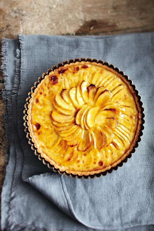 This is a recipe for using up windfalls at harvest time, as long as the variety of apples you grow are well-flavoured, with a sweet/tart taste, and will keep their shape when baked.