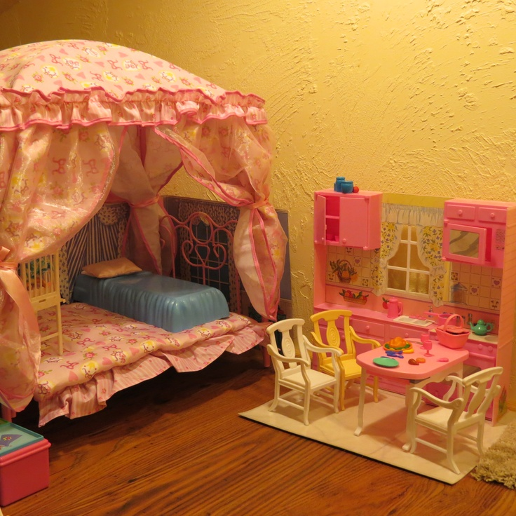 Creating a barbie house used a baby doll bed for barbie for Barbie dream house bedroom