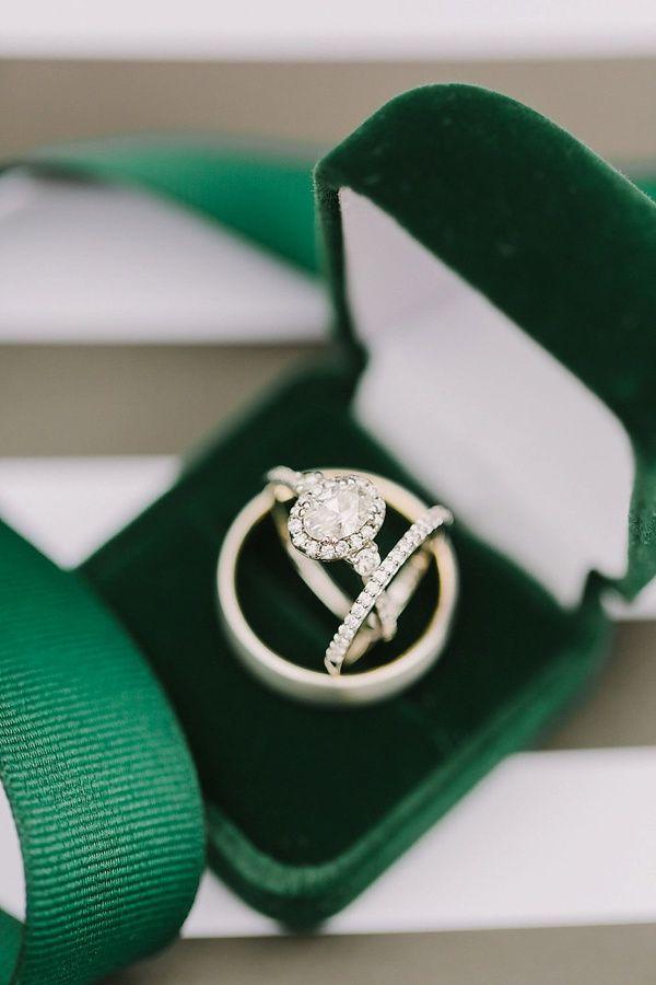 Emerald Green Velvet Ring Box    #weddings #weddingideas #aislesociety  #vintagewedding