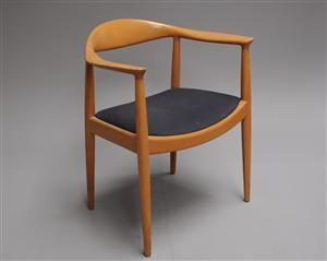 Køb stole - danske klassikere, antikke, moderne - Hans J. Wegner. Armstol, 'The chair' / JH-501, egetræ - DK, Kolding, Trianglen