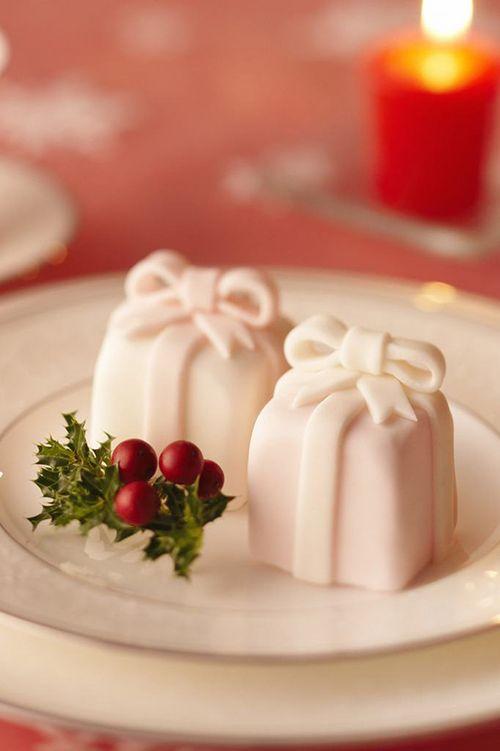 Christmas present-shaped petit fours | Brides.com