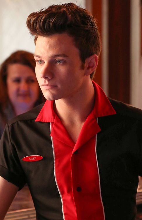 who is kurt dating on glee They begin dating in original song, after blaine kisses kurt, forming the first male -male couple on glee in the purple piano project, blaine transfers to mckinley.