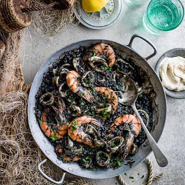 Arroz negro (squid and rice): Arroz negro is a Valencian and Catalan dish made with squid, prawns, rice and seasoned with herbs and spices. Squid ink gives it its distinctive black appearance and can be bought from most fishmongers or online at souschef.co.uk