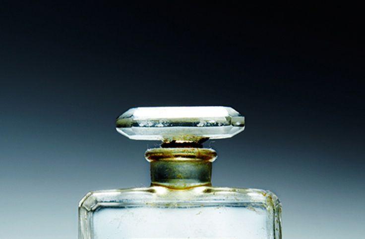 Parfum Dupes: Damendüfte - Bild: Austin Calhoon